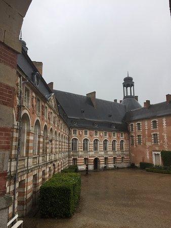 Le château de Saint-Fargeau, le château d'enfance de Jean