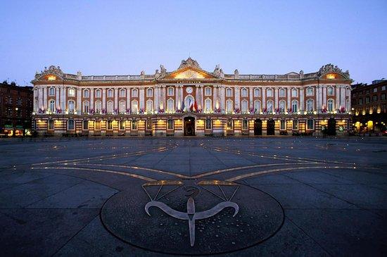 Place du Capitole: fotografía de Ibis Styles Toulouse Capitole ...