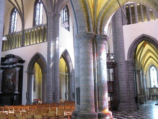 Eglise NotreDame OnzeLieveVrouwekerk Kortrijk