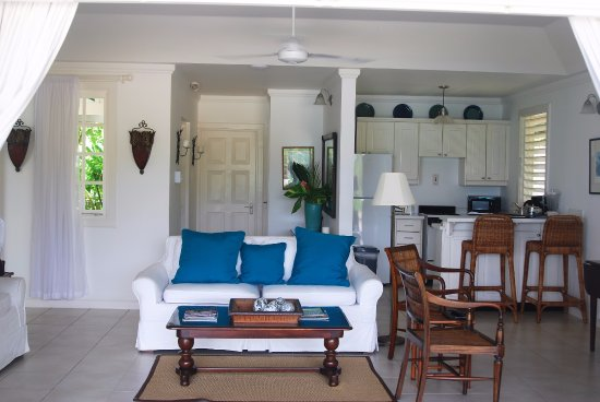 veranda living rooms how to arrange furniture in room with corner fireplace and tv cottage 1 view of kitchen from picture jamaica inn