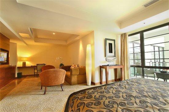 Akomodasi Hotel Aryaduta Medan