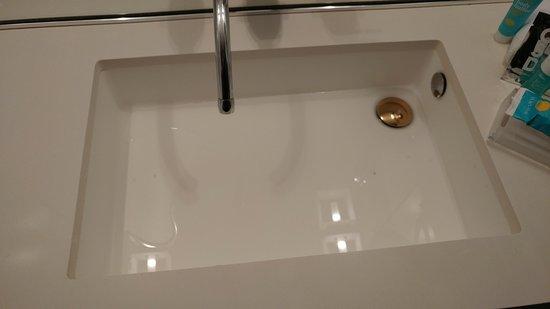 Bathroom sink wont drain  Picture of W Washington DC