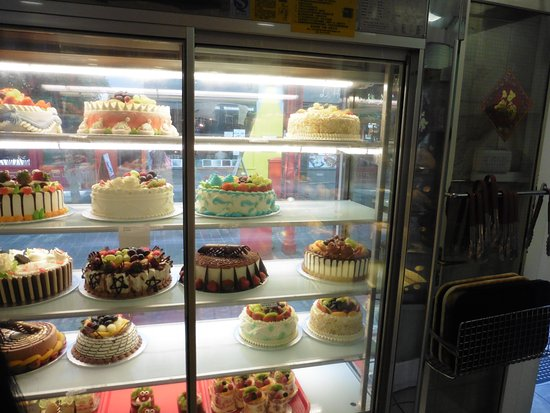 Birthday Cakes Picture Of Golden Gate Cake Shop London Tripadvisor