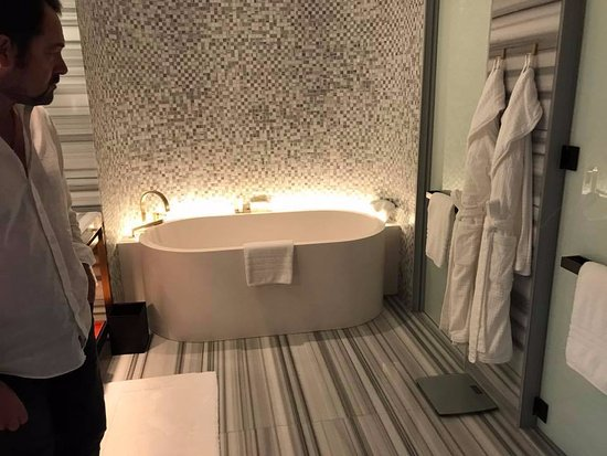 Stunning highend bathroom  Picture of Four Seasons