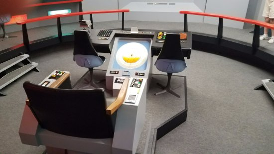 star trek captain s chair plans pixar up chairs picture of original series set tour kirk view from command