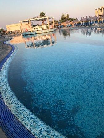 Au Fond De La Piscine : piscine, Sable, Piscine(photo, Prise, Matin!), Picture, Labranda, Sandy, Beach, Resort,, Corfu, Tripadvisor