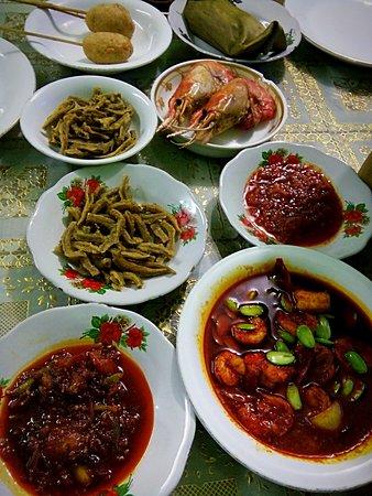 Pindang Musi Rawas : pindang, rawas, Disajikan, Meja:, Fotografía, Rumah, Makan, Pindang, Rawas,, Palembang, Tripadvisor