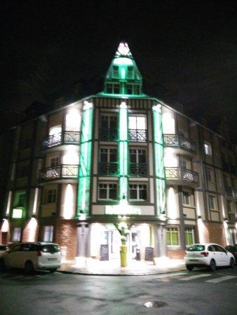 L Esterno Di Sera Picture Of Ibis Styles Deauville Centre