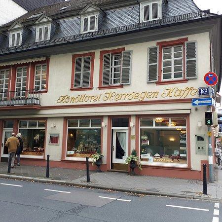 Konditorei  Kaffee Herrdegen GmbH Mannheim  Restaurant Bewertungen Telefonnummer  Fotos