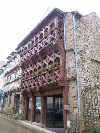 Maison à Pan De Bois : maison, Maison, Ancienne, Bois., Picture, Ernest, Renan's, House,, Treguier, Tripadvisor