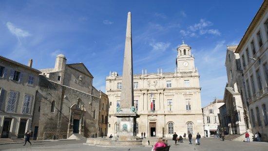 Place de la Republique - Picture of Place de la Republique, Arles ...