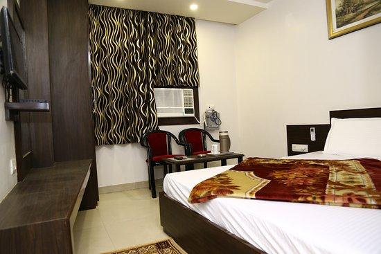 Hotel Abhinandan Inn 13 2 2 Prices Reviews