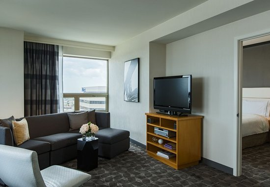 Renaissance Chicago O Hare Suites Hotel Updated 2018 S. 2 Bedroom Suite  Hotel ...