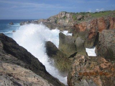 Foto ini adalah Panta Inaoe salah obyek wisata pantai yang ...