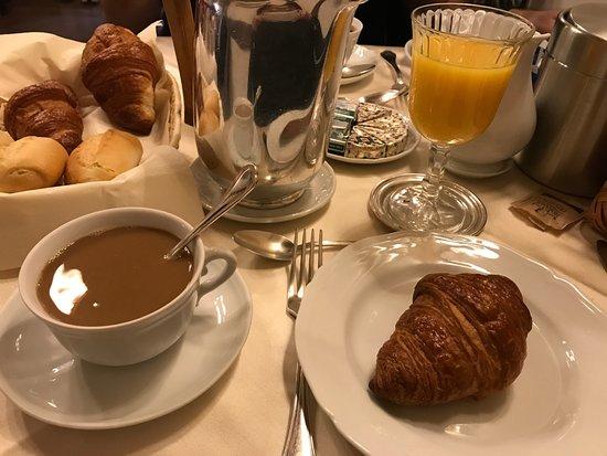 Petit Dejeuner Picture Of Hotel Morandi Alla Crocetta