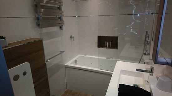 wc baignoire balneo douche pluie