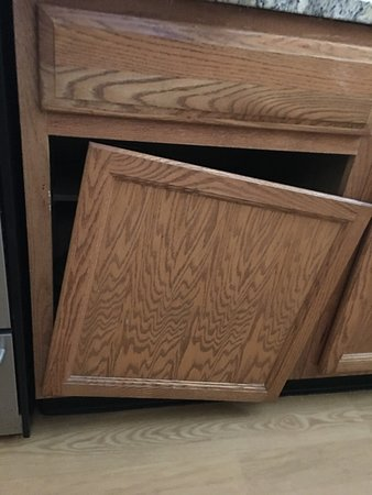 kitchen cabinet door modern table broken picture of towneplace suites new orleans metairie
