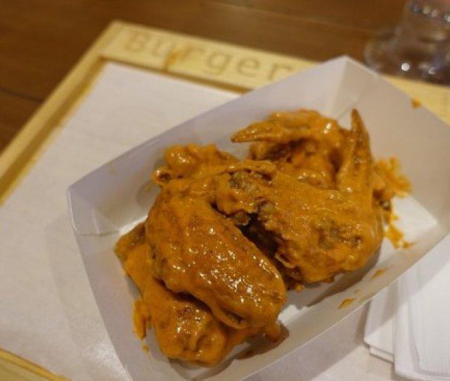 Burger On 16 Hot N Spicy Wings