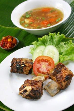 Ayam Goreng Fatmawati : goreng, fatmawati, Buntut, Goreng, Picture, Fatmawati,, Makassar, Tripadvisor
