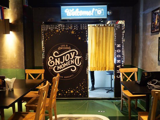 #FindThePhotoBooth, one of the best speakeasy bars in Bangkok