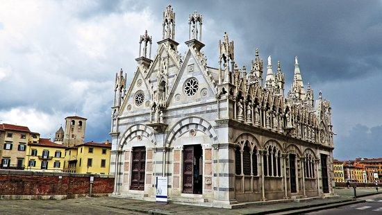 Pequeña iglesia. - Opiniones de viajeros sobre Chiesa di Santa ...