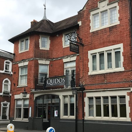 Qudos Music Bar Grill And Guest Rooms In Salisbury