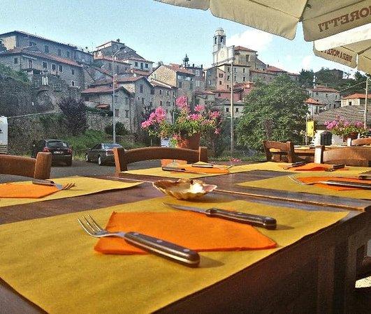 Bar Pizzeria AllIsola Felice Mulazzo  Restaurant