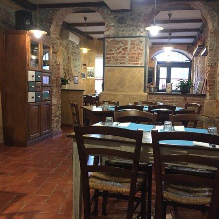 Ristorante Osteria cera una volta in Genova con cucina