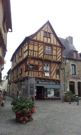 Maison à Pan De Bois : maison, Maison, Picture, Tourist, Office, Malestroit, Valley, Tripadvisor