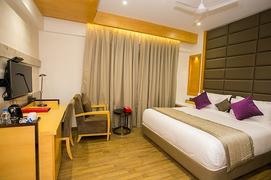Capital O 26805 Varju Villa Prices Hotel Reviews