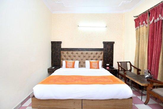 Hotels Near Oyo 11318 Hotel Shagun