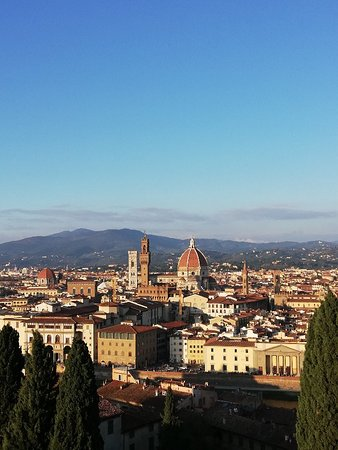 Vista di Firenze dalla terrazza panoramica di Villa