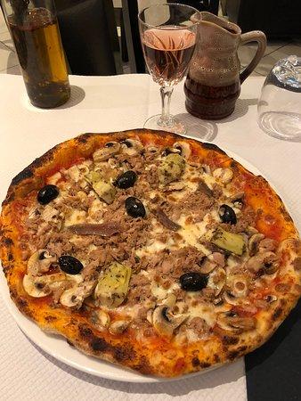 La pizza 4 saisons  Photo de Casa Nonna Poissy  TripAdvisor