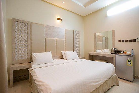 Oyo 126 Dome Suites Al Mursalat 40 7 7 Updated 2020
