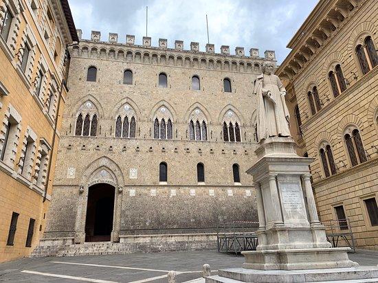 Palazzo Salimbeni (Siena) - 2020 Qué saber antes de ir - Lo más ...