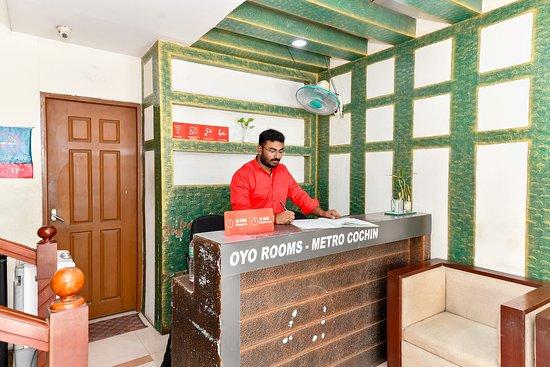 Oyo 1400 Cochin Metro 12 4 6 Prices Lodge Reviews