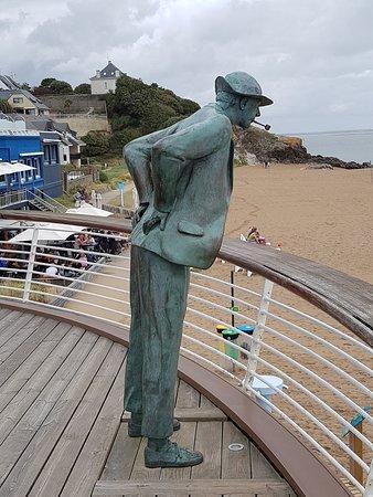 La Plage De Monsieur Hulot : plage, monsieur, hulot, Statue, Hulot, Picture, Restaurant, Plage, Monsieur, Hulot,, Saint-Nazaire, Tripadvisor