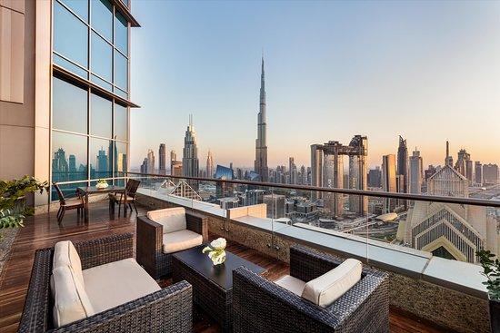 A Luxury Hotel Near Dubai Mall Review Of Shangri La Hotel