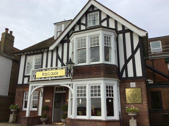 Hotel Entrance Picture Of Rye Lodge Hotel Tripadvisor
