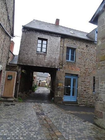 La Maison Du Pendu : maison, pendu, Maison, Pendu, Picture, Centre, Historique, Combourg, Tripadvisor