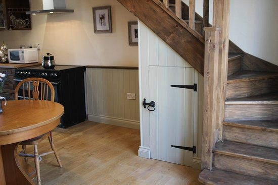 Small Cottage Staircase Picture Of Norfolk Coast B B Cottages | Staircases For Small Cottages | Open | Small Footprint | Skinny | Corner | Wooden