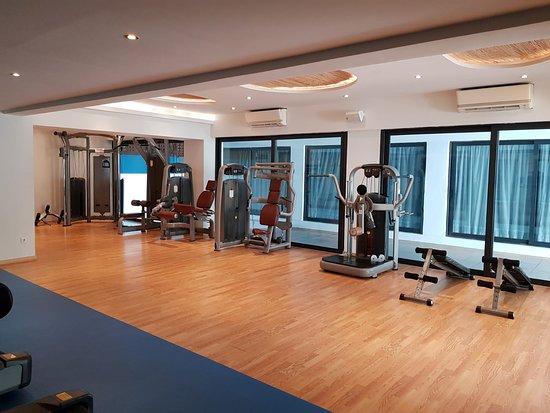 Het heeft een prachtige ligging aan. Hotel Gym Picture Of Tui Blue Oceanis Beach Spa Resort Kos Tripadvisor