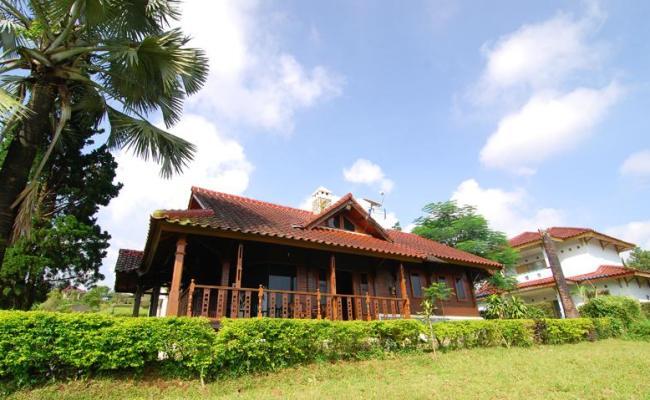 Villa Chava Kayu Ciater Highland Resort Has Terrace And