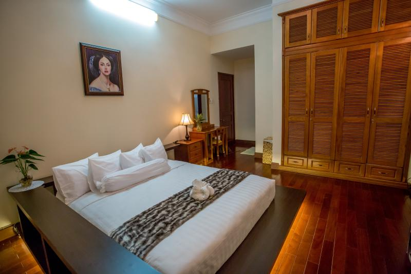 King Size Bed With Garden View Mh Villa Has Patio And