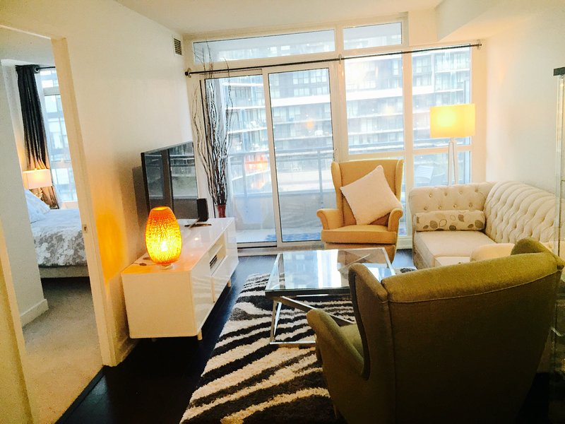 Prime Location 2bd 2wr Luxury Downtown Condo Has Sauna And