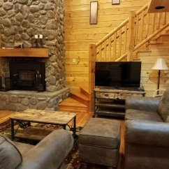 Sofa Sleeper For Cabin Chaise Retratil 4 Lugares Enjoy This Cozy Bear Aspen Furniture Close To The Slopes New Living Room Sleeps 10 Is