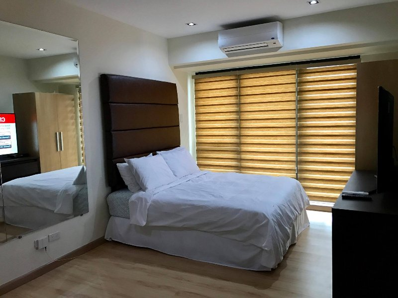 New Cozy Deluxe Studio Condo Unit Knightsbridge Makati