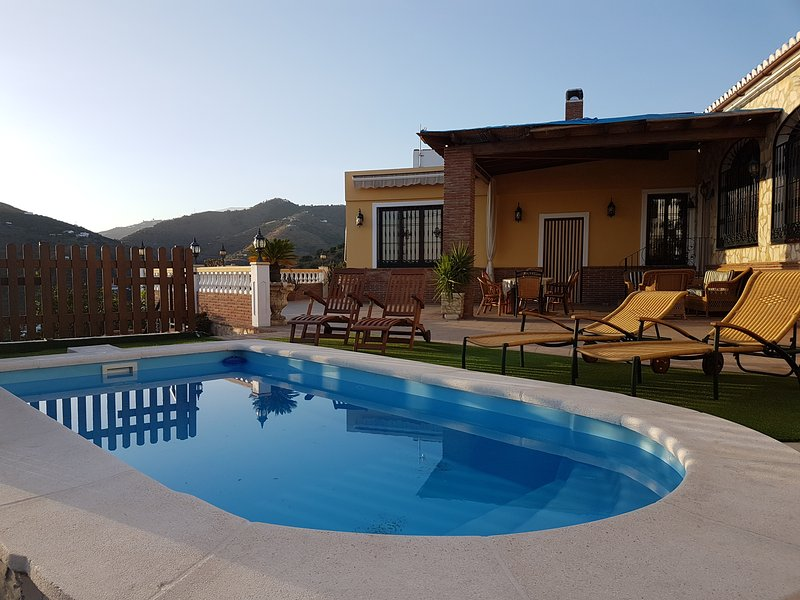 VILLA JARDIN DEL MEDITERRANEO CON PISCINA PRIVADA  UPDATED 2019  Holiday Rental in Torrox