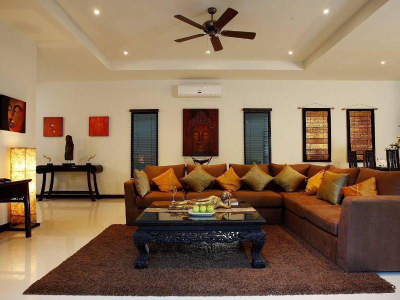 Phailin Talay 4 Bed Serviced Pool Holiday Home Nai Harn