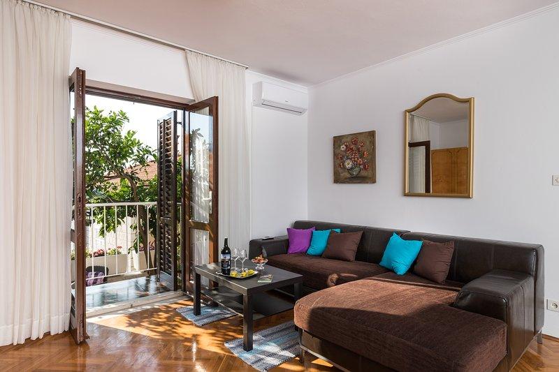 Apartment Vukic Studio Apartment With Terrace And Garden